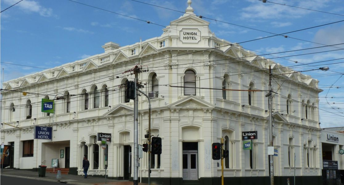 Local Beer Bars, Pub & Food – Union Hotel Ascot Vale