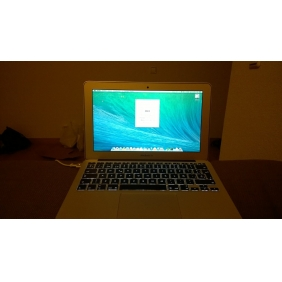 Apple MacBook Air dual-core Intel Core i7 2.0GHz, 8GB RAM,11 inches