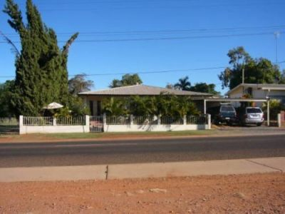 FANTASTIC 4 BEDROOM HOME - MT ISA