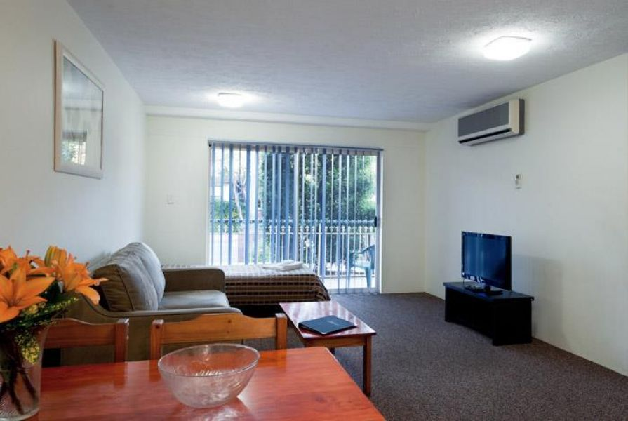 Get the full furnished 1 bedroom unit at Airport Wooloowin Motel