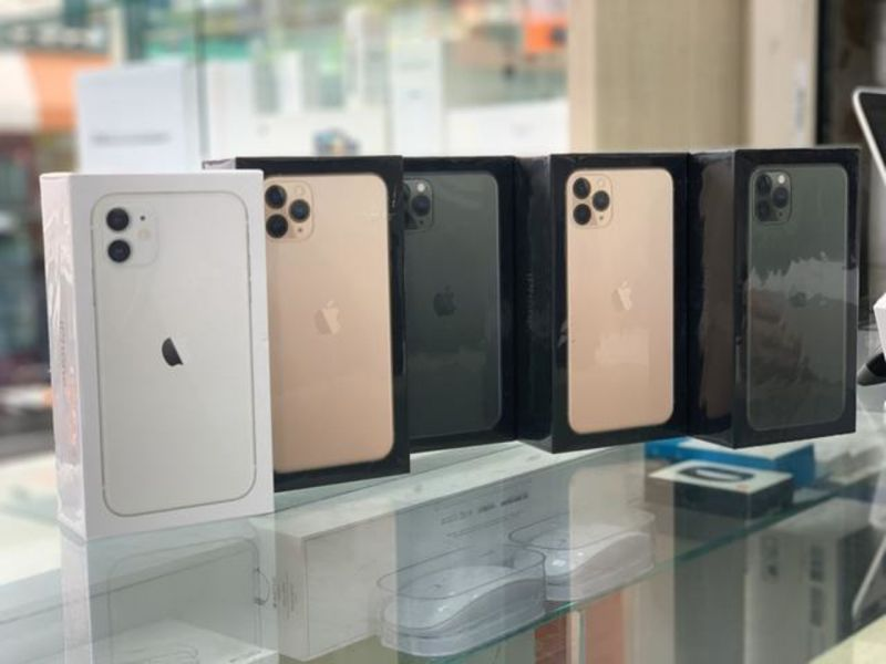 Unlocked Apple iPhone 11 Pro Max , Buy 2 get 1 free