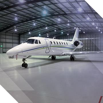 Benefit from aircraft management services and facilities