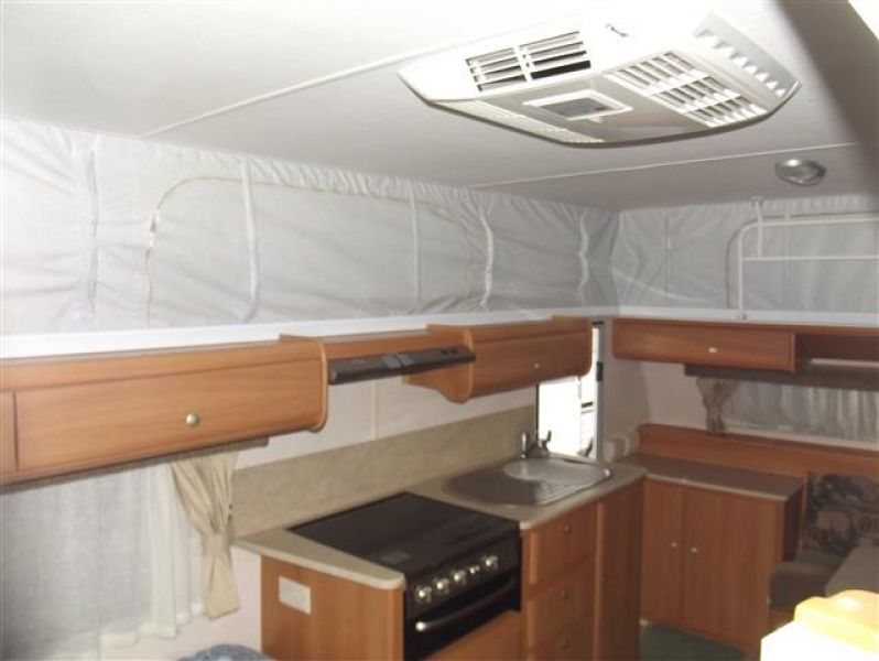 SN1670  Jayco 2008, 16' shw, x Toilet, Roll out awning+walls, BatteryPack, F/kitchen
