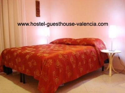 Valencia Hostel - Guesthouse -economical private rooms 12.50 euros