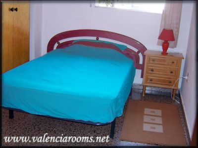 Valencia accommodation-Day-20€, week-100€, month-320€ valenciarooms.net Cheap rooms in Valencia from