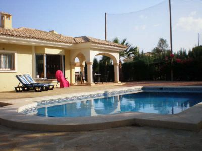 HOLIDAYVILLA WITH PRIVATE POOL AT GOLFCOURSE IN SPAIN COSTA BLANCA FOR RENT