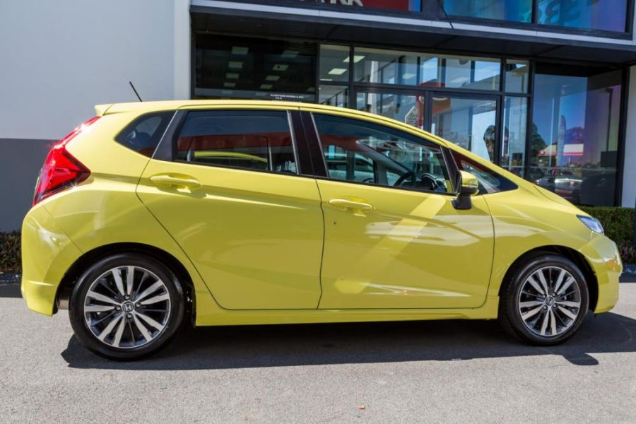 Buy Honda Jazz VTi-S 2015 car in yellow colour online at Keema Cars