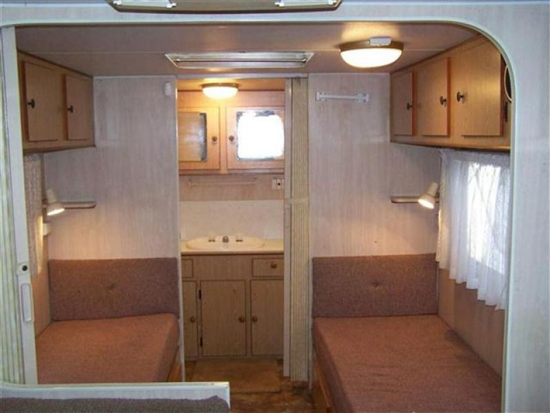 SN1332  Evernew, 19',ensuite , shw/toilet are separate, Roof a/c,