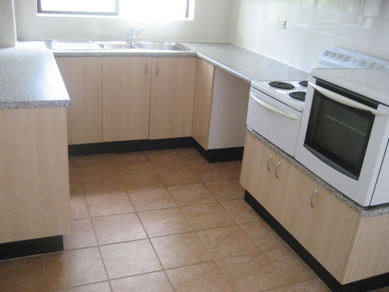 SPACIOUS MODERN 2BED 1BATH 1CAR RENT $430PW