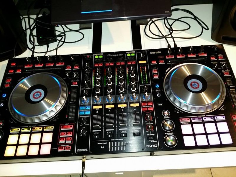 For Sale: 2x Pioneer CDJ-900 Nexus + DJM-900 Nexus Package