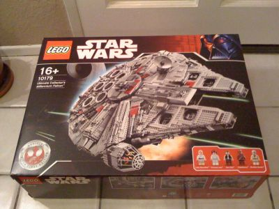 Lego Ultimate Collector's Millennium Falcon - Star Wars Set 10179